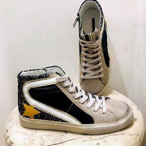 Baskets STELLA montantes noires étoile jaune